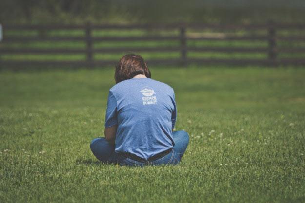 ea-shirt-grass
