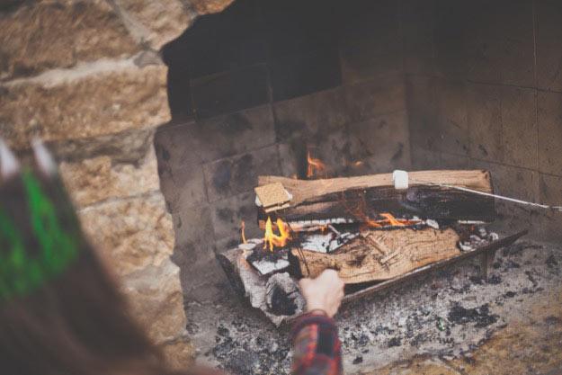 smores-roasting
