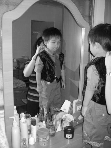 IMG_2874_gareth_tie_mirror.jpg
