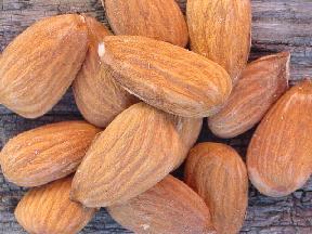 almondsraw.jpg