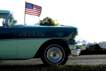car_with_american_flag.jpg