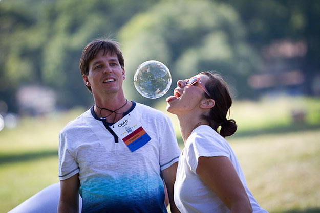 beth-chad-bubble