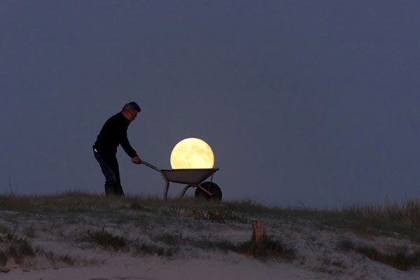 moon-wheelbarrow