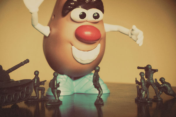 mr-potato-army-assault