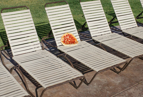 pizza-deck-chair