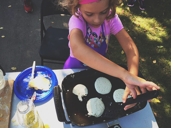 lucy-flipping-pancakes