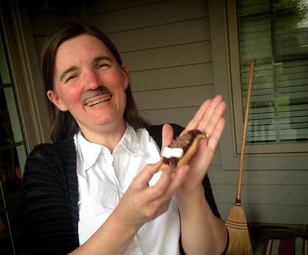 michelle-mustache-cookie